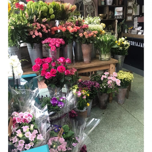 The shop is bursting with beautiful blooms ready to make up all our Mother's Day orders! Definitely my favourite peak season! Such a stunning array of seasonal flowers available for us to play with! 🌸🌼🌿🌺🌷💐🌻...#mothersday #shop #florist #flower #plants #gifts #instaflower #shop #support #local #busy #victoriajaneflowers