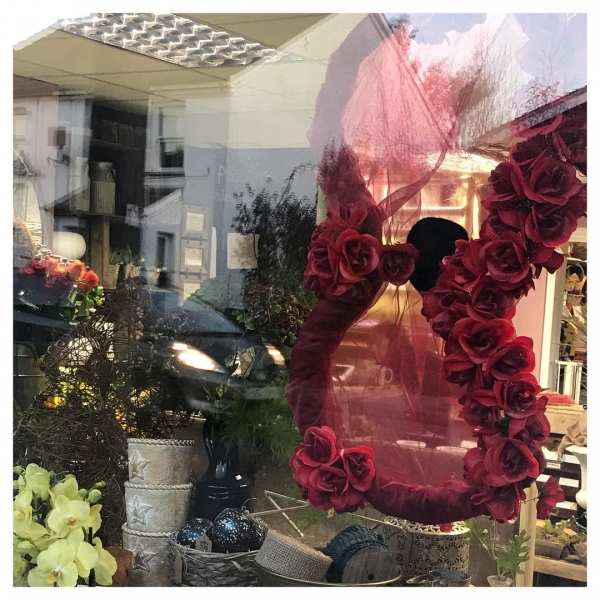 We remember those from all over the world that gave their lives. A poppy hangs in our shop window as a small token today ❤️ #Armistice100 #RememberanceDay2018 #LestWeForget#victoriajaneflowers #poppyday