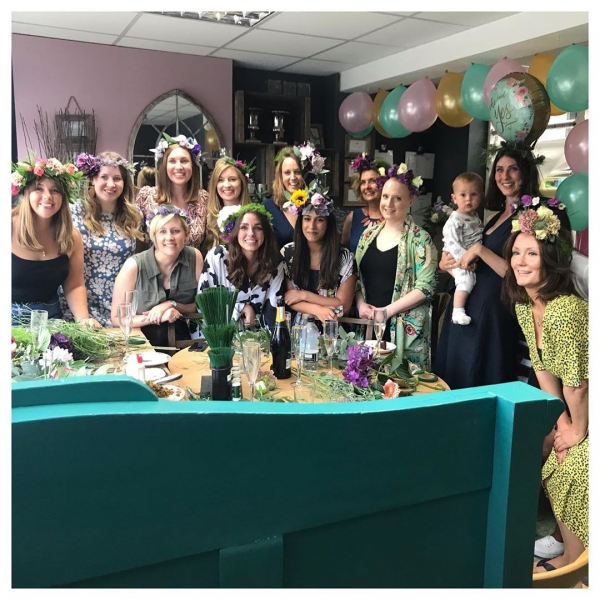 Fabulous afternoon making flower crowns for Ella's Hen do.. Such a lovely group of ladies!.. Such a pleasure! Organising a hen do for 2019/2020?.. get in touch for prices and availability ..#hendo #henparty #henpartyideas #wedding #workshop #bouquet #flowercrown #party #privatefunction #fun #florist #burnham #windsor #maidenhead #victoriajaneflowers