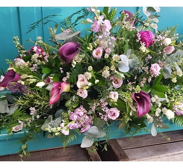 Such a beautiful tribute to make. Flowers based on wedding day flowers 💕....#sympathyflowers #calla #florist #memories #love #goodbye #farewell #tillwemeetagain #love #marriage #buckinghamshireflorist #victoriajaneflowers