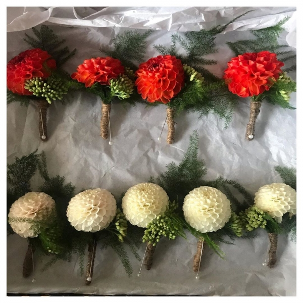 Well these are cute! ☺️ Gorgeous boutonnières made from home grown Dahlias, a touch of Sedum and fern then tied with string ❤️.....#wedding #buttonhole #buckinghamshireflorist #groomsmen #groom #fatherofthebride #Dahlia #white #orange #fern #sedum #englishflowers #homegrown #love #marriage