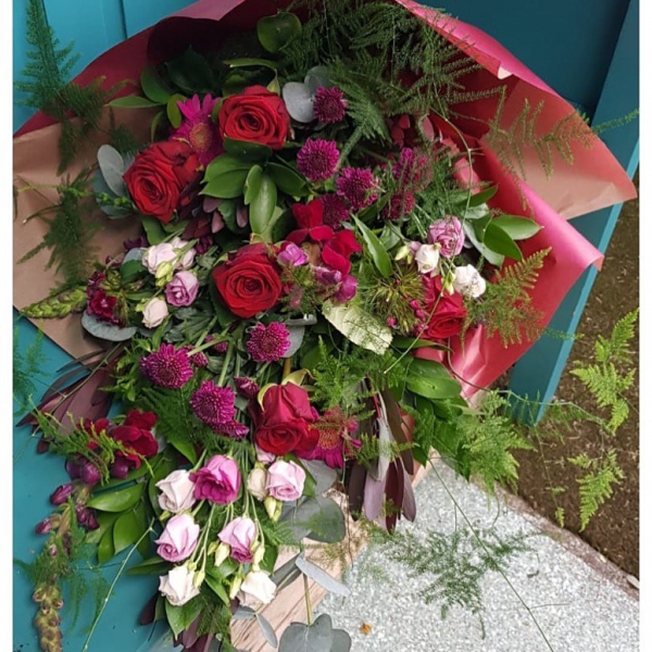 It's not always all about the Hand tied 🌹 ...#flatpack #nocello #eco #ecofriendly #paper #justflowers #love #anniversay #red #roses #redrose #lisianthus #leucadendron #fern #eucalyptus #romance #gift #flowers #justwhatthecustomerordered #instaflower #instaflorist #shoplocal #independentwomen #lovewhatido #victoriajaneflowers