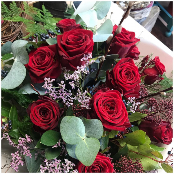 """A rose by any other name would smell as sweet"" Don't forget to order your flowers to avoid disappointment on Friday.. Valentine's Day, just another day, unless you decide to make it special 🌹❤️Lots of other beautiful, romantic bouquets will be available ....#valentines #romantic #romance #14thfeb #love #sayitwithflowers #roses #naomi #red #lust #underthefloralspell #bouquet #localdelivery #burnham #windsor #maidenhead #slough #ascot #makesomeonesday #iloveyou"